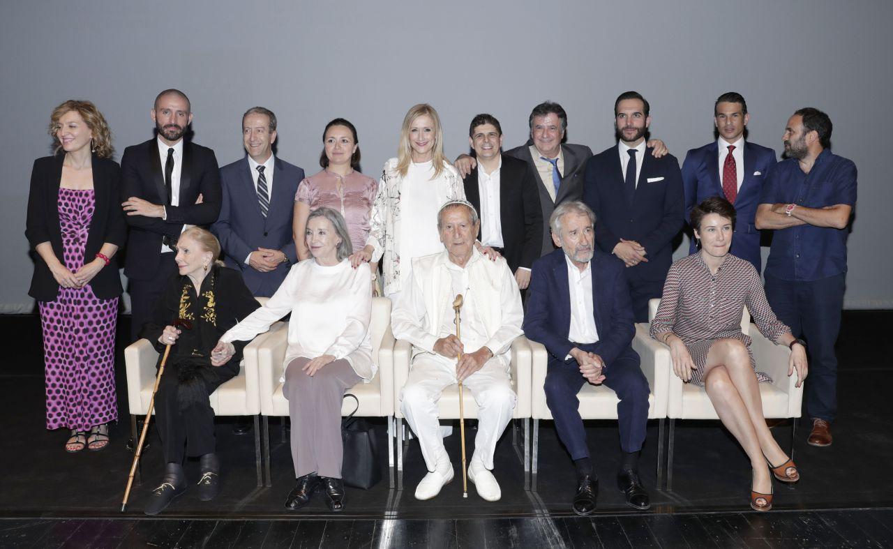 Foto de familia de los Premios de la Cultura 2017 de la Comunidad de Madrid