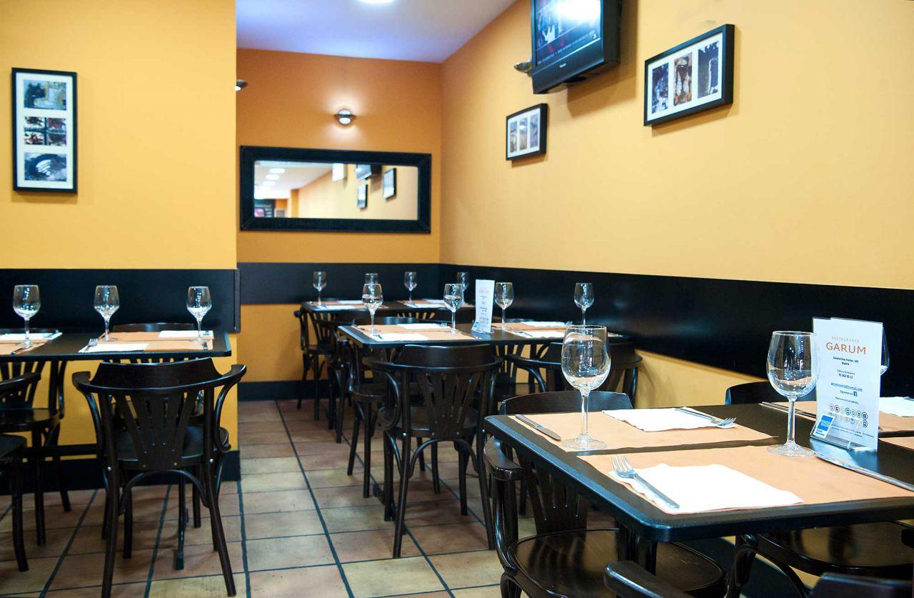Nº 105. GARUM (cafetería-restaurante)   Tlf. 915 63 35 11