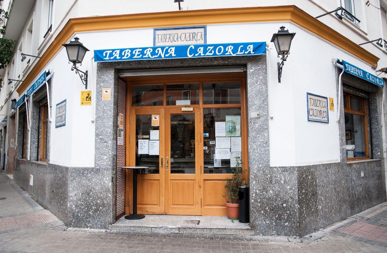 Nº 80. Restaurante Cazorla. Tlf. 914 02 24 58