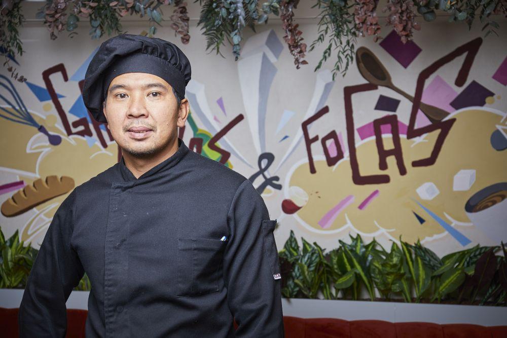 Freddy, cocinero principal.