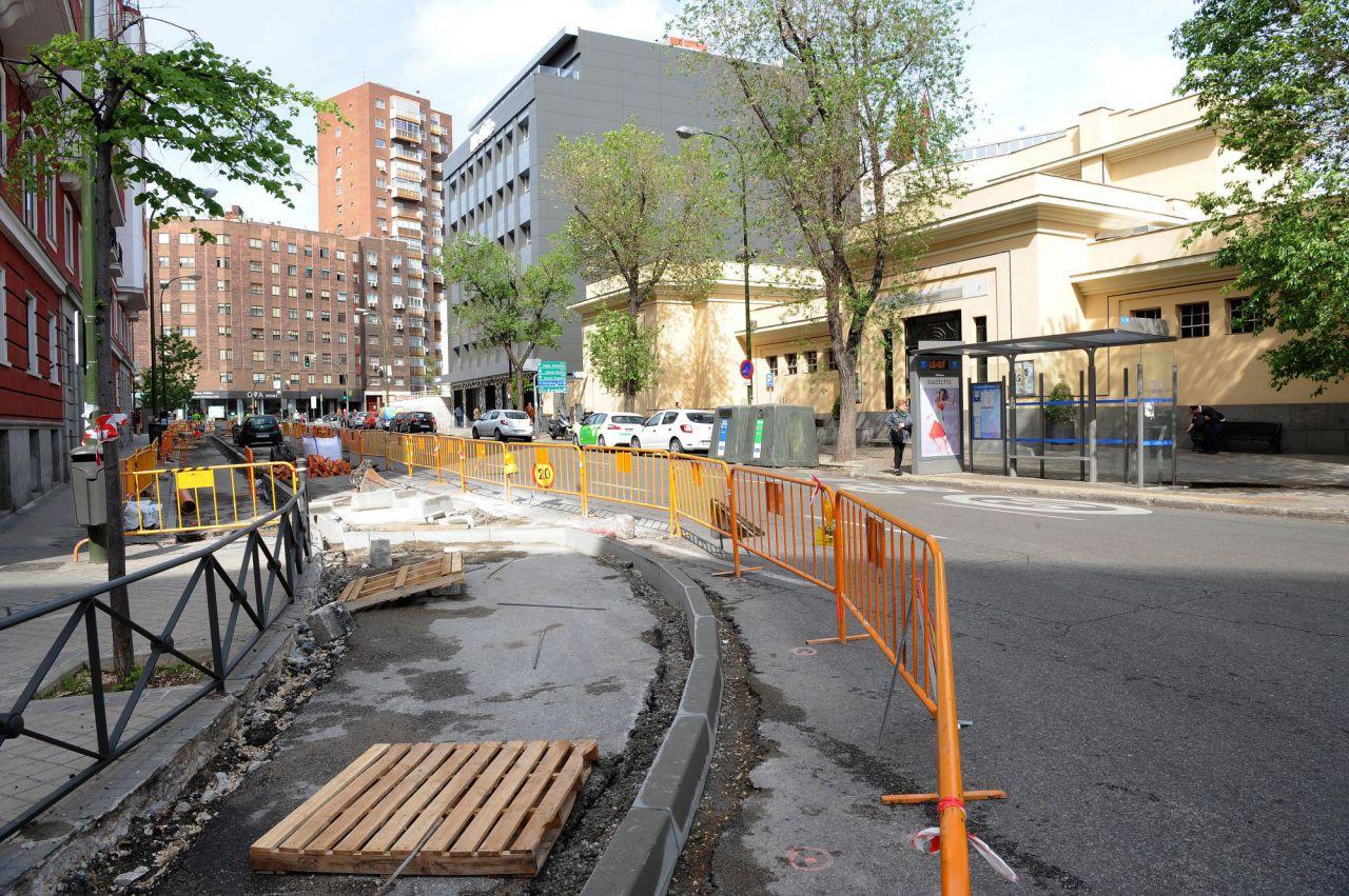 Frente al centro cultural Buenavista se ensenchan las aceras y se pondrá arbolado.
