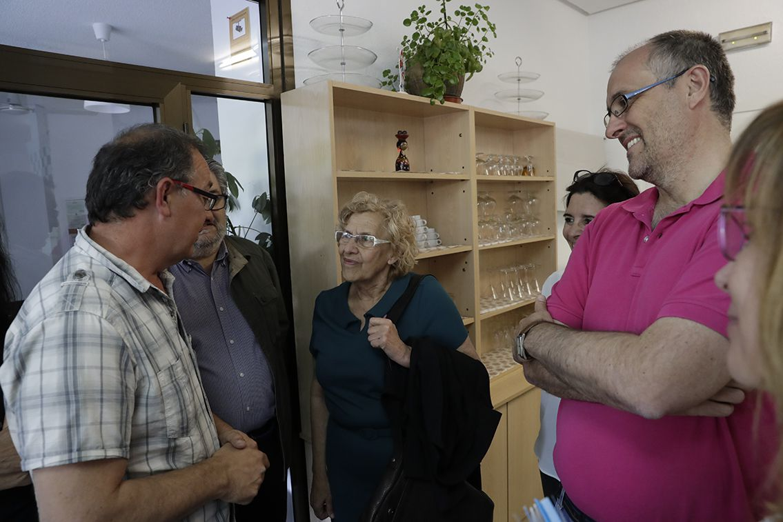 Carmena visitó también el centro Lista, junto a sus responsables.