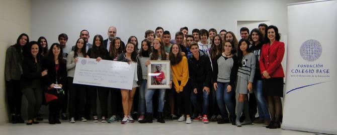 La Fundación Colegio Base entrega a Save the Children la recaudación del curso 2013-2014
