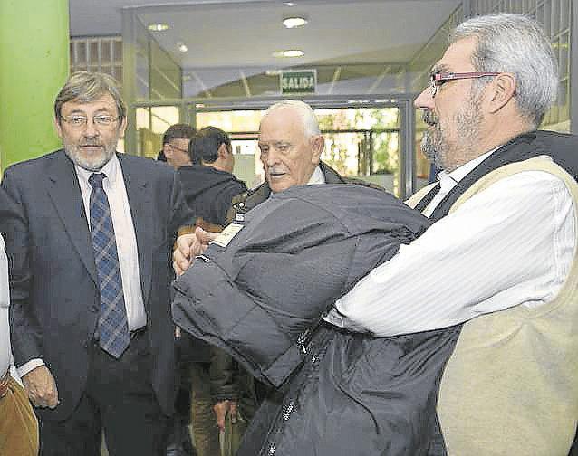 Jaime Lissavetzky con los mayores de Ciudad Lineal.