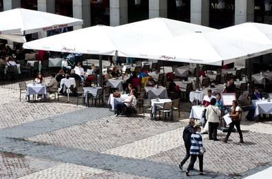 Alertan de robos en establecimientos en la plaza Mayor