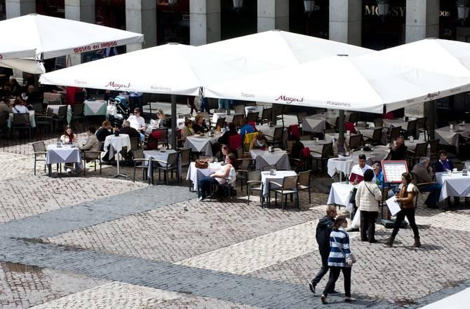Imagen de archivo de una de las terrazas de la plaza Mayor.