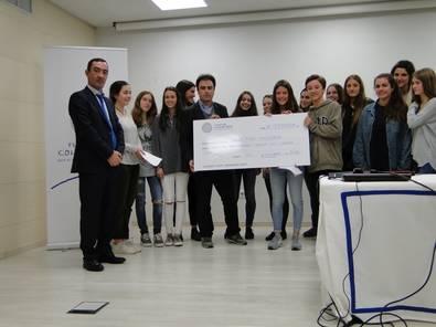 La Fundación Colegio Base entrega a Save the Children la recaudación realizada durante el curso 2014-2015