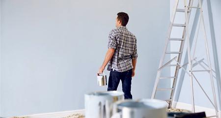 Mejora la estética de nuestra casa. Tener una casa bonita y a nuestro gusto hará que la disfrutemos mucho más y nos aportará optimismo y buenas vibraciones. Es el momento ideal para pintar o empapelar las paredes con los tonos más de moda, para instalar suelos claros que aporten luminosidad, para cambiar los muebles…