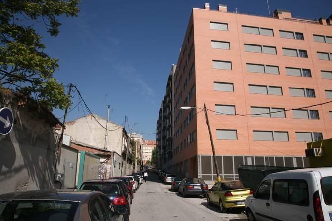 La urbanización de este barrio se debatió en una asamblea vecinal.
