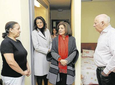 Botella visitó los apartamentos municipales