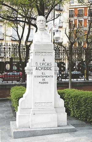 FILÁNTROPO. Estas escuelas se deben a la iniciativa del filántropo conquense Lucas Aguirre y Juárez que a su muerte, en 1873, legó parte de su fortuna para el sostenimiento de centros educativos. Gracias a este legado se construyeron las Escuelas Aguirre de Madrid.