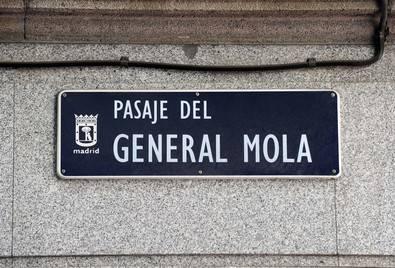 General Mola y Eduardo Aunós pasarán a la historia