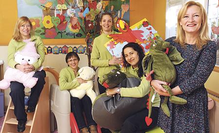 """Macu, Nines, María, Aurora y Marisa forman el gran equipo de educadoras de la Escuela Infantil Gran Vía. Para ellas y para el resto del equipo de este centro, """"educar es la tarea más hermosa del mundo""""."""