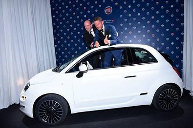 El Nuevo Fiat 500C recauda 250.000 euros para investigación de la cura del SIDA