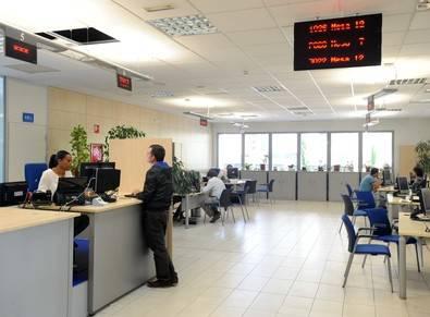 Línea Madrid Sanchinarro funciona, la Agencia Tributaria no