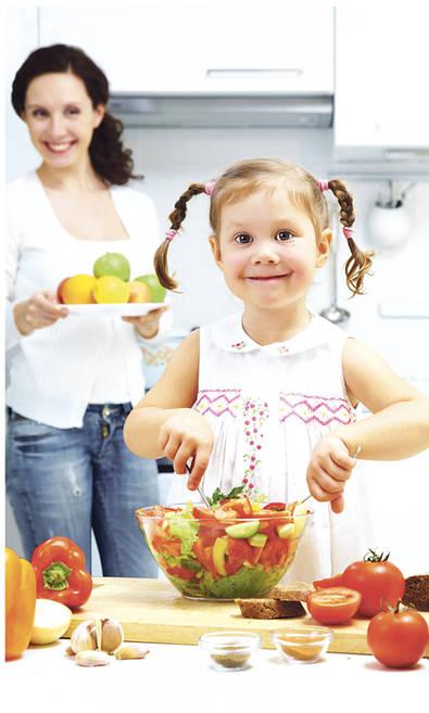 Educar también es enseñarles a comer