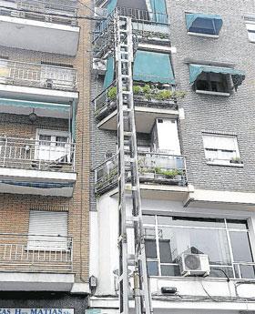 Los vecinos no quieren este poste de la luz