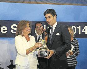 Botella entrega los Premios Taurinos