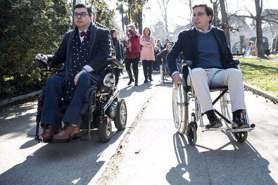 Martínez Almeida promete accesibilidad universal en el Retiro