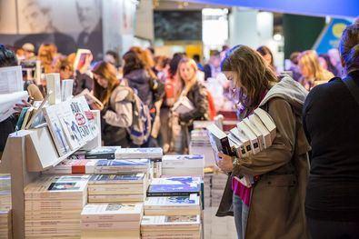 Comienza la I Feria del Libro y la Cultura de Moratalaz
