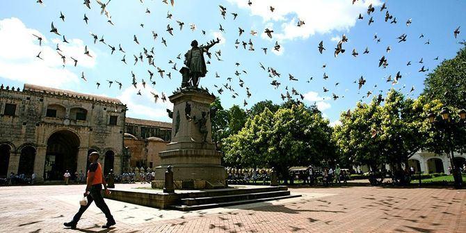 Estatua de Colón en la República Dominicana.