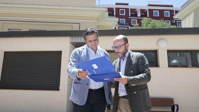 El nuevo concejal presidente de la Junta de Salamanca, José Fernández, visitaba el miércoles el espacio, junto al diputado regional Jorge Rodrigo.