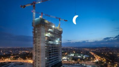 La luna 'saldrá' por Torre Caleido