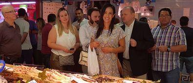Villacís visita el mercado de Las Ventas