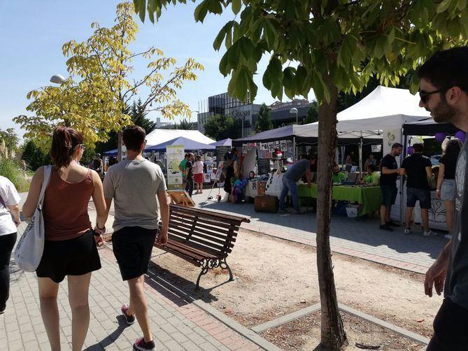 La Feria de Asociaciones se celebra en el parque de Alfredo Kraus