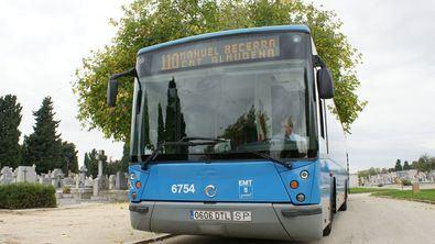 Al cementerio, en autobús