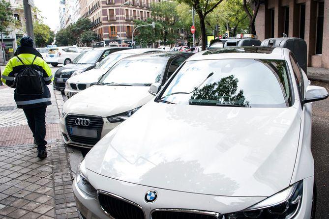 Los vehículos que no tengan distintivo ambiental no podrán estacionar en la zona SER, excepto en su barrio.