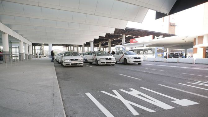Los taxis darán precio máximo cerrado en viajes precontratados.