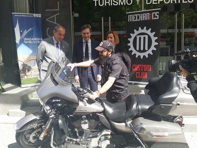Se trata de un evento en el que se exhibirán motos customizadas y vehículos americanos, y se ofrecerán exposiciones, desfiles y música en directo.