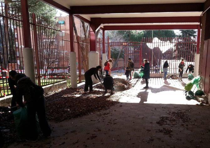 Los vecinos limpiaron el antiguo colegio Pedro Alvarado