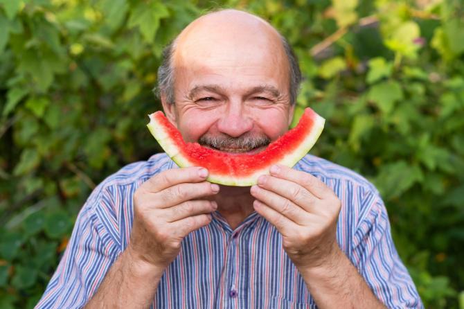 367 mayores aprenden a mantener una adecuada hidratación durante el verano