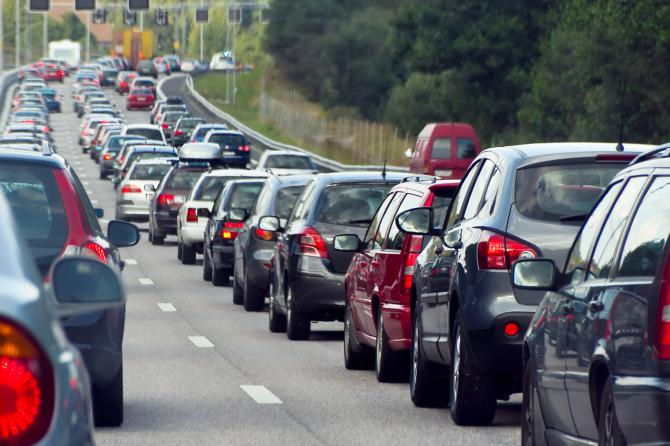 Cinco medidas a seguir para contaminar menos con tu coche