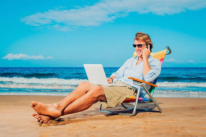 Siete de cada 10 trabajadores por cuenta propia disfrutan de menos de 15 días de vacaciones al año, según el estudio llamado 'Autónomos, ¿cómo estáis?', elaborado por Muno. La encuesta revela que un 37,8% descansa siete días o menos al año, mientras que un 32,7% se cogen un máximo de dos semanas anuales.