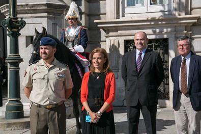 La concejala delegada de Turismo del Ayuntamiento de Madrid, Almudena Maíllo, ha asistido al relevo solemne de la guardia en el Palacio Real de Madrid que se ha celebrado ayer al mediodía.