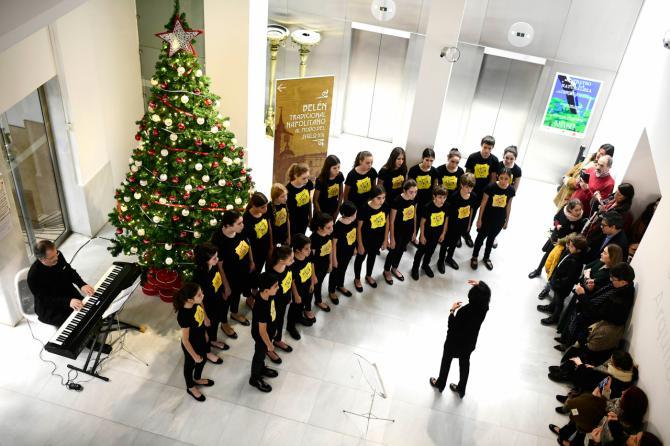 La Comunidad de Madrid presenta el 'Belén galdosiano' de Alcalá 31