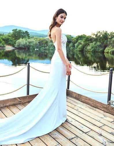 La Sposa viste a Estela Grande en el día de su boda