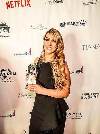 La cantante española Alexa Lace ganadora de un Hollywood Music Award por Mejor canción Latina