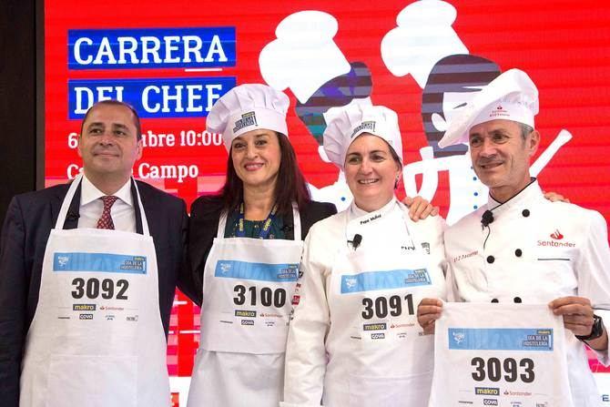 Todos los corredores de la 'Carrera del Chef' lucirán en el evento los mismos delantales y gorros de cocinero que lucieron los responsables de la presentación del evento durante su presentación.