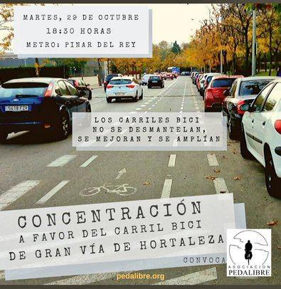 Concentración en defensa del carril bici de Gran Vía de Hortaleza