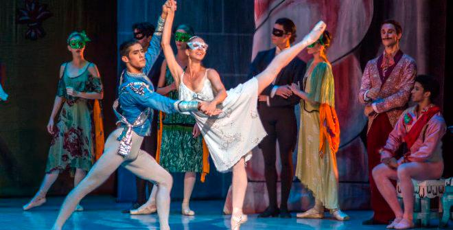 El Ballet Nacional de Cuba pone en escena toda la magia de la coreografía original de 'Cenicienta'