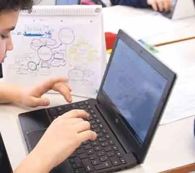 Chromebooks, los portátiles que conquistan las aulas del Colegio Arcángel Rafael