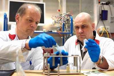Investigadores de la Universidad CEU San Pablo determinan el mecanismo de movimiento de litio en un material relevante para baterías