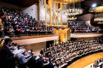 615 cantantes aficionados interpretan 'El Mesías'