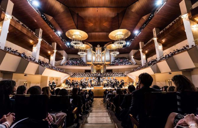 615 cantantes aficionados interpretan 'El Mesías', en el concierto participativo de la Caixa
