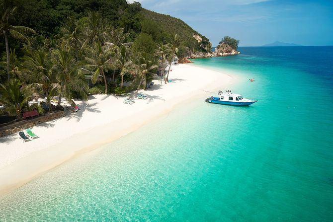 Descubre 10 lugares del planeta en los que sí es posible perderse y desconectar estas vacaciones.