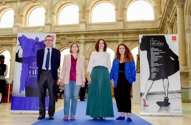 La presidenta madrileña ha estado acompañada por la consejera de Cultura y Turismo, Marta Rivera, durante la presentación del festival.